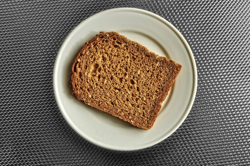 ダイエット中だけど、どうしてもパンが食べたい人のパンの選び方