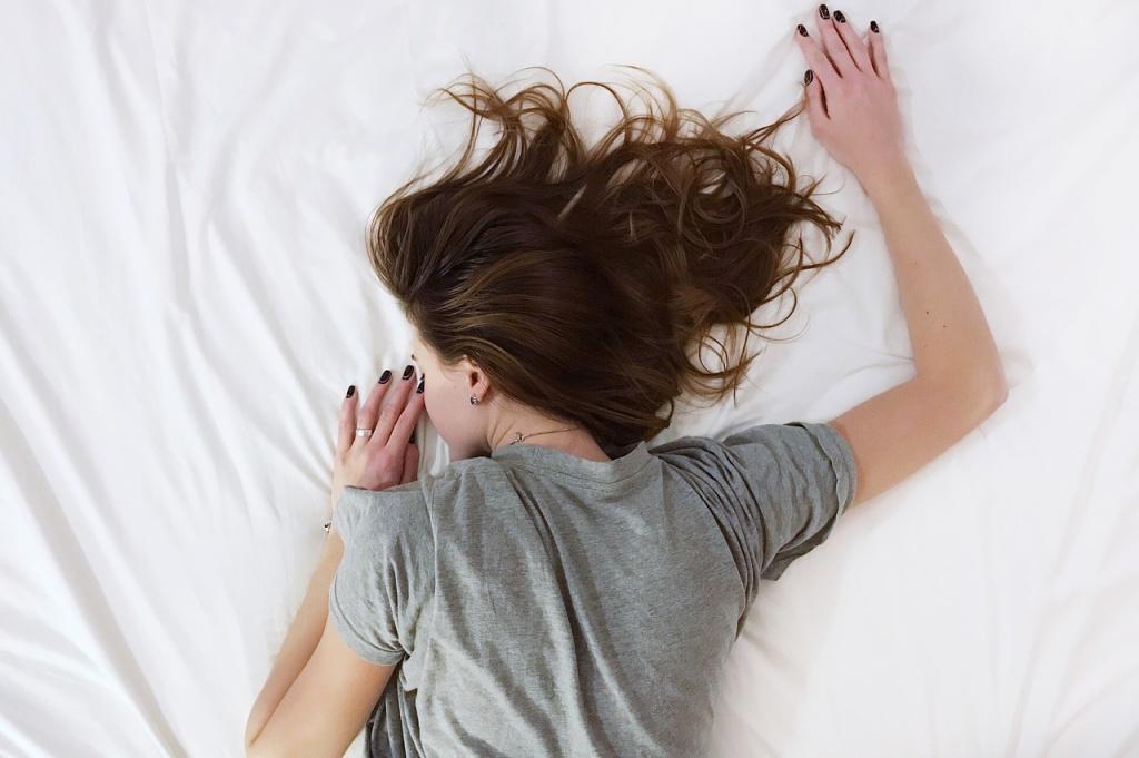 寝つきをよくする方法を知って美肌とダイエット効果を高める