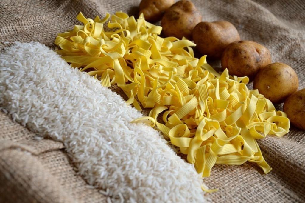 お米を食べはじめたら体重が増えてしまいました。やっぱり炭水化物って太るの?