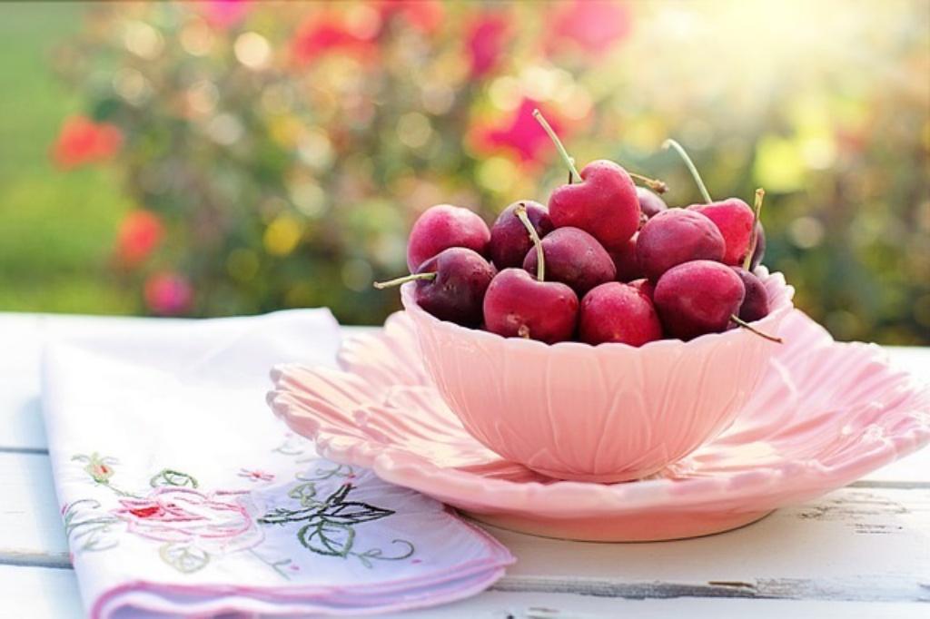 朝食を果物にして痩せる人と痩せない人。果物って本当にヘルシーなの?
